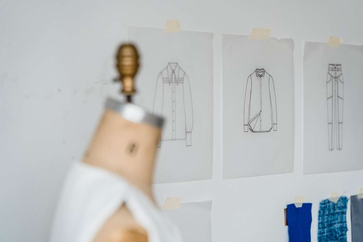 What Is the Job of a Fashion Designer?