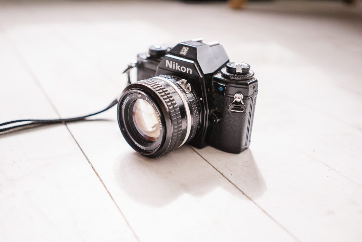 Do professional photographers shoot in auto mode?