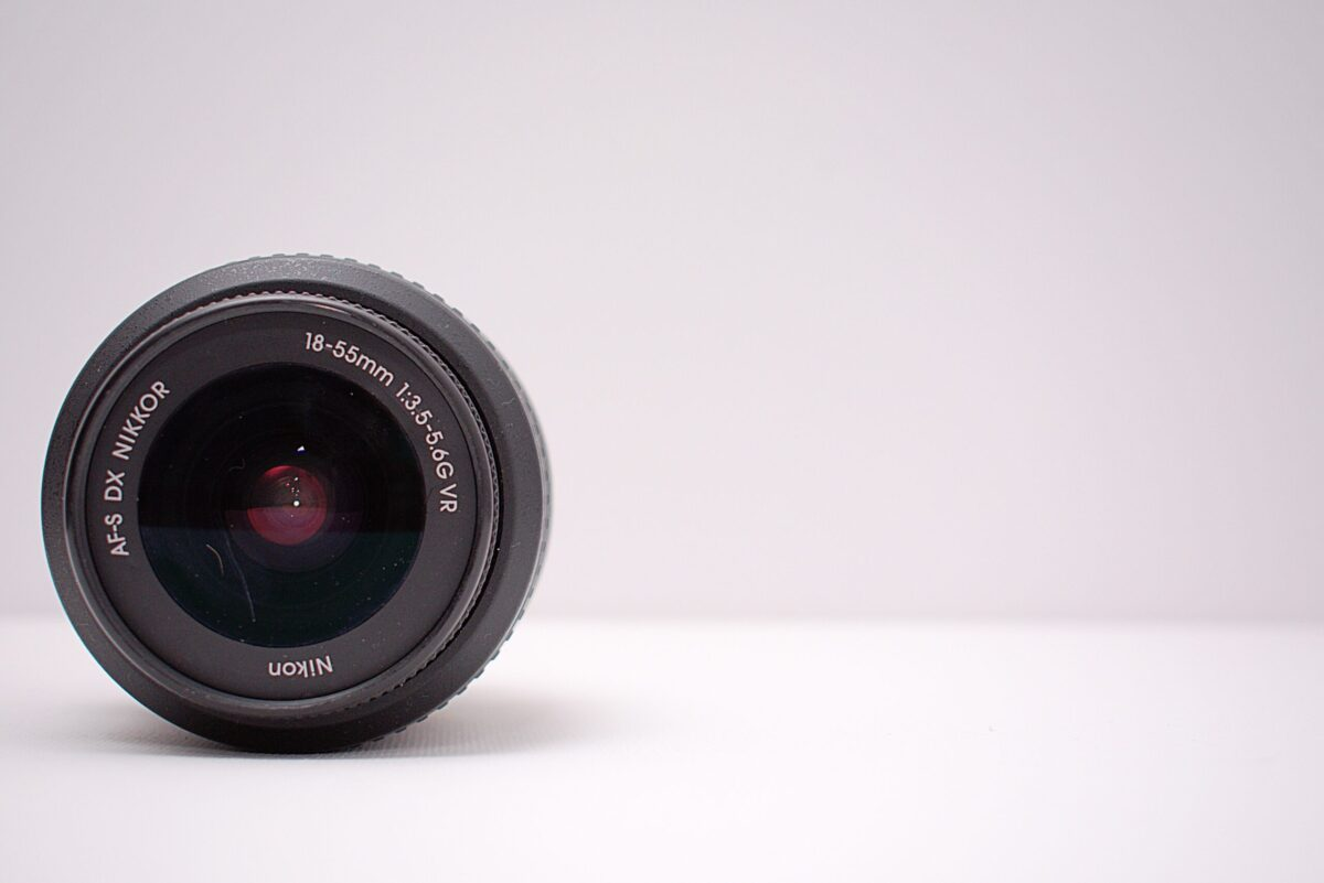 What lens is best for wedding photography?