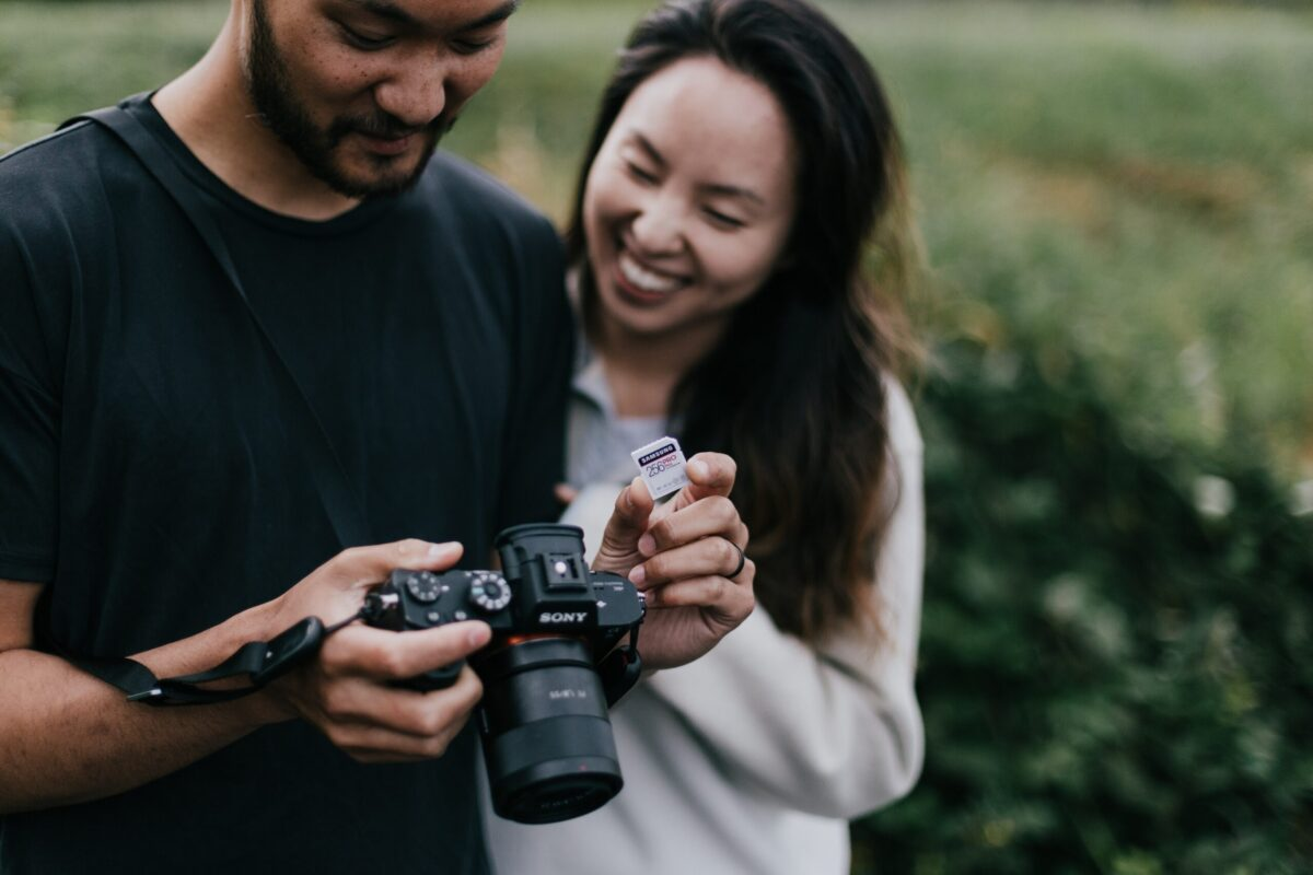 How do I make a wedding photography contract?